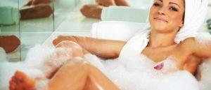 Можно ли мыться при температуре?