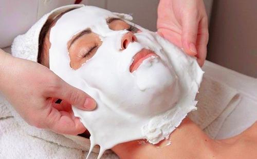 Застывшую маску следует аккуратно снять