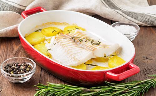 Запеченный картофель с рыбой