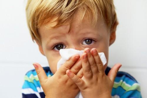 Узнайте, как вылечить насморк у ребенка!