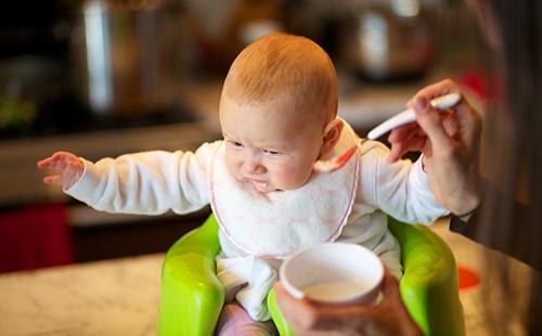 Нельзя кормить ячменём малышей до трёх лет
